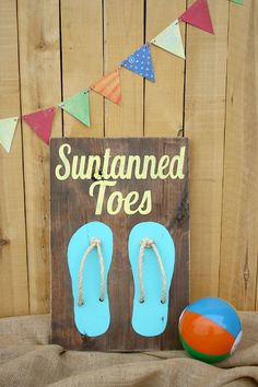 Rustic Beach Art {Guest Post at I Heart Naptime} - love the rope in the flip flops! Beach Themed Crafts, Beach Crafts, Summer Crafts, Diy Crafts, Summer Art, Summer Ideas, Craft Tutorials, Craft Projects, Craft Ideas