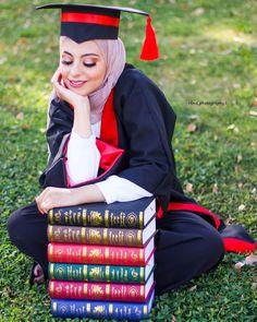 Graduation Images, Graduation Picture Poses, College Graduation Pictures, Graduation Photoshoot, Graduation Diy, Grad Pics, Graduation Photography, Senior Photography, Photography Editing
