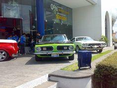 """Plymouth Barracuda en el evento """"Clasicos V8 con Estilo"""" en la Chrysler Dodge Jeep de 16 de Septiembre Plymouth Barracuda, Dodge, Cool Sports Cars, Vehicles, Jeep, September, Style, Car, Jeeps"""