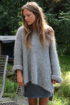 Skappelgenseren kit | Skappelgenseren Fashion 2017, Girl Fashion, Flattering Outfits, Knitwear Fashion, Mohair Sweater, Knitting Yarn, Crochet Clothes, Trends, Knit Crochet