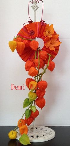 Strong colours and textures with this design by Demi Wu Tropical Floral Arrangements, Creative Flower Arrangements, Ikebana Arrangements, Art Floral, Deco Floral, Floral Design, Hanging Flowers, Felt Flowers, Cascade Design
