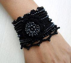 Crochet Bracelet Cuff, Crochet Beaded Bracelet, Crochet Jewelry, Freeform Crochet, Crochet Pulsera, Armband, Black Bracelet, Glass Beads