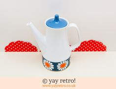 Turi Design Daisy Coffee Pot - Buy yay retro Handmade Crochet online - Arts & Crafts Shop, crochet shawls, wraps, blankets, hot water bottle covers and vintage textile cushions. Chocolate Pots, Chocolate Coffee, Craft Shop, Vintage Textiles, Crochet Shawl, Online Art, Norway, Tea Pots, Daisy