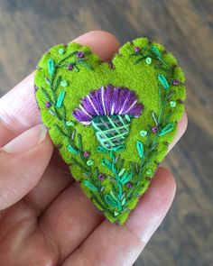 These thistle brooches were inspired by my trip to Scotland! Made them on the plane flying home. Wool Embroidery, Learn Embroidery, Embroidery Ideas, Felt Applique, Applique Quilts, Scottish Thistle, Felt Decorations, Felt Patterns, Felt Ornaments