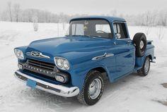 American Muscle Cars… 1958 Chevy Apache 3100 Yes, please Classic Pickup Trucks, Old Pickup Trucks, Gm Trucks, Cool Trucks, Cool Cars, Jeep Pickup, Lifted Trucks, Dually Trucks, Pickup Camper