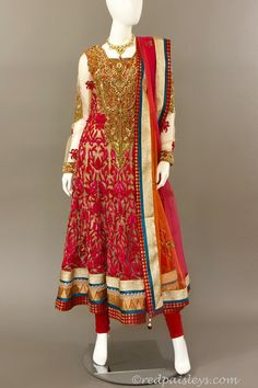 Indian Wear, Indian Style, Model Look, Pink Sequin, Anarkali, Indian Outfits, Red And Pink, Indian Fashion, Bridal Dresses
