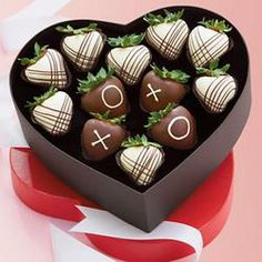 XOXO Chocolate Dipped Strawberries - Harry and David  $39.95  #pintowinGifts @Gifts.com