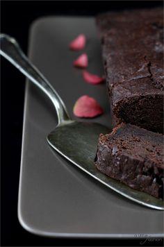 Saftiger Schokoladen-Apfelkuchen   A Little Fashion   http://www.a-little-fashion.com/rezepte/apfel-brownie-kuchen