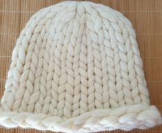 Hand-knitted hat in beautiful chunky white pure wool for women Merino Wool Blanket, My Ebay, Mittens, Hand Knitting, Knitted Hats, Pure Products, Accessories, Beautiful, Color