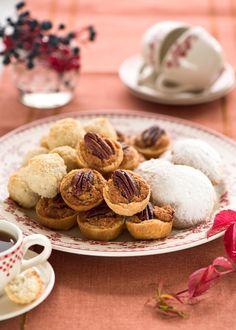 Шоколадные печенья с вишней