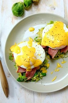 Smoked Duck Poached Eggs Benedict over Brussels sprouts (GF! Duck Recipes, Egg Recipes, Raw Food Recipes, Gourmet Recipes, Great Recipes, Cooking Recipes, Healthy Breakfast Recipes, Brunch Recipes, Eggs Benedict Recipe