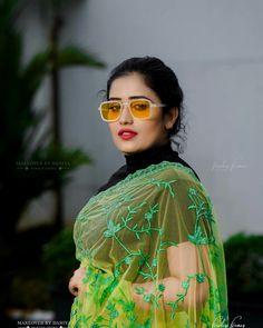 Beautiful Girl Indian, Beautiful Saree, Beautiful Indian Actress, Beautiful Women, Marathi Bride, Beauty Forever, Beauty Full Girl, Indian Beauty, Indian Actresses