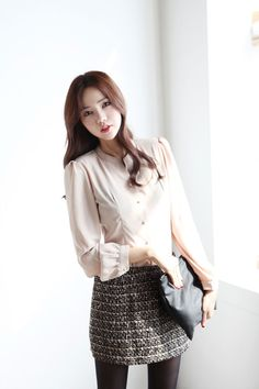 Padded Collarless Button Blouse