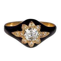 1stdibs.com | Antique Black Enamel  Diamond Star Ring