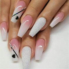 False nails have the advantage of offering a manicure worthy of the most advanced backstage and to hold longer than a simple nail polish. The problem is how to remove them without damaging your nails. Valentine's Day Nail Designs, Acrylic Nail Designs, Nails Design, Crome Nails, Nagellack Design, Coffin Shape Nails, Sexy Nails, Hot Pink Nails, Stiletto Nails