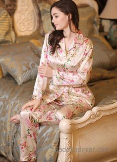 Snow Blossom has a range of beautifully made pure mulberry silk nightwear, sleepwear, pyjamas for ladies who like to pamper themselves. Satin Sleepwear, Sleepwear Women, Nightwear, Loungewear, Satin Lingerie, Pretty Lingerie, Pijamas Women, Moda Floral, Night Dress For Women
