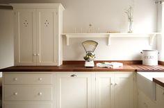 shaker cabinets   deVOL