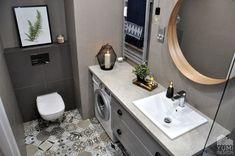 Bathroom designed by Yumi Design Black Vanity Bathroom, Small Bathroom Vanities, Bathroom Photos, Bathroom Faucets, Small Bathrooms, Wet Room Bathroom, Spa Like Bathroom, Amazing Bathrooms, Bathroom Ideas