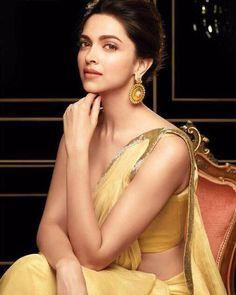 Deepika Padukone the beautiful Indian actress Beautiful Bollywood Actress, Beautiful Actresses, Look Fashion, Fashion Beauty, Modern Fashion, Dipika Padukone, Deepika Padukone Style, Most Beautiful Faces, Beautiful People