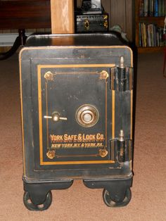 Safe Company, Antique Safe, Cash Box, Safe Lock, Custom Paint, Cast Iron, Objects, Flooring, Antiques
