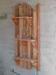 Pallet Furniture Projects Pallet wall with pallet Shelf. I use them as flower pots bases. Idea sent by gur shoshani ! - Pallet wall shelves made with repurposed pallets. They can be used as flower pots bases for a vintage garden or … Pallet Home Decor, Pallet Crafts, Diy Pallet Projects, Pallet Ideas, Wood Projects, Woodworking Projects, Woodworking Lamp, Teds Woodworking, Pallet Furniture Tutorial