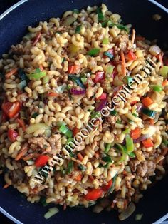 Surinaamse macaroni met gehakt | Mooie recepten Quick Healthy Meals, Good Healthy Recipes, Vegetarian Recipes, Easy Meals, Pasta Recipes, Cooking Recipes, Cold Pasta, No Cook Meals, Pasta Salad