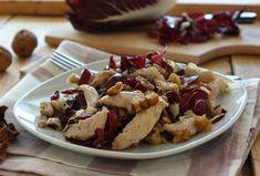 Straccetti di pollo al radicchio e noci. Se volete preparare un piatto sfizioso e leggero , questa è la ricetta giusta per voi! Un secondo piatto completo