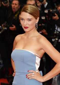Natural Red Carpet Beauty is NOT an Oxymoron! Get some French chic inspiration by way of Léa Seydoux
