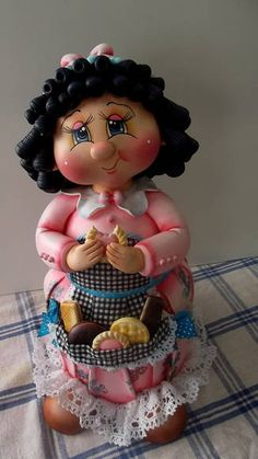 Pote Menina Bolacha IV-2013-encomenda   Atelier Célia Benatti   287194 - Elo7 Diy Crafts For Gifts, Crafts To Make And Sell, Clay Crafts, Biscuits, Pasta Flexible, Clay Dolls, Best Christmas Gifts, Cold Porcelain, Clay Art