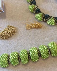 Best 12 Peyote waves bracelet with different sized beads beads delicas Beaded Jewelry Designs, Bead Jewellery, Seed Bead Jewelry, Seed Beads, Seed Bead Necklace, Beaded Earrings, Beaded Bracelets, Beaded Jewelry, Diy Accessories