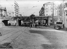 Via Ostiense, ponte della ferrovia tra Stazione Ostiense a destra e Stazione Trastevere a sinistra. Anno: 1941