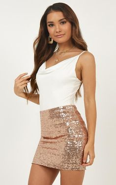 SK Dressed to Shine - Glitter Smile Skirt In Champagne Sequin Outfits For Teens, Summer Outfits, Girl Outfits, Cute Outfits, Fashion Outfits, Sequin Mini Skirts, Sequin Skirt, Girls In Mini Skirts, Beautiful Girl Image
