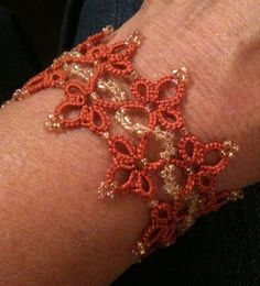 Tatting: We make lace with lots of little knots!: August 2011