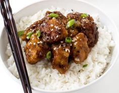 Slow Cooker General Tso's Chicken. Slow Cooker General Tso's Chicken Recipes Super Easy Slow Cooker General Tso's Chicken. Way better (and healthier) than takeout! Poulet General Tao, Slow Cooker Recipes, Cooking Recipes, Asian Recipes, Healthy Recipes, Free Recipes, Easy Recipes, Skinny Recipes, General Tso