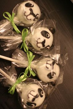 Panda Cake Pops! | Flickr - Photo Sharing!