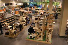 Jos de Vries The Retail Company: Development of a new store concept for a animal store chain Pet Boutique, Boutique Design, Pet Shop, Pet Store Display, Best Small Pets, Aquarium Store, Pet Hotel, Store Layout, Animal Room