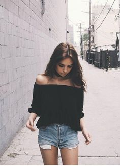 Inspirasi berbagai Gaya Baju Sabrina oleh Fashion Blogger