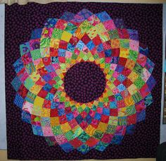 Giant Dahlia Quilt Tutorial and template from shesgotmojo.