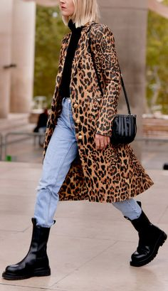 How to make cheap leopard-print pieces look expensive Mode Outfits, Fall Outfits, Fashion Outfits, Womens Fashion, Fashion Trends, Dress Stores Near Me, Elegant Cocktail Dress, Look Street Style, Leopard Print Coat