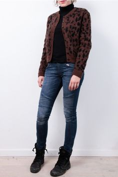 People Tree cardigan: http://www.todayisagoodday.be/vrouwen/people-tree-ava-animal-hand-knitted-brown.html
