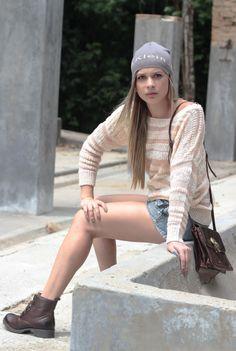 TRICOT MARIA FILÓ / TOUCA CALVIN KLEIN / SHORTS JEANS ELLUS / BOLSA CARMIM / COTURNO ELLUS  #winter #fashion #moda #ellus #cavalera #calvinklein #carmim #camiseta #multmix #inverno2014