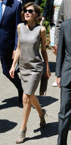 Queen Letizia #chic #style - Hugo Boss Dress, Adolfo Domínguez sandals , Dior sunglasses