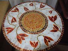 artes e mosaicos: Tampo de mesa tulipas em mosaico vitral