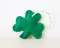 SHAMROCK - Green Shamrock ORNAMENT - Shamrock Felt Ornament - Irish Baby Shower Favors - Irish Wedding Favor - Irish Party Favor Decoration