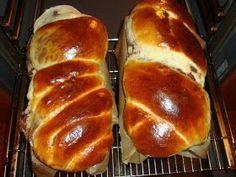 Ada's World: Cozonaci babani Junk Food, Christmas Party Food, Food Charts, Romanian Food, Home Food, Strudel, Snacks, Bread Baking, Biscotti
