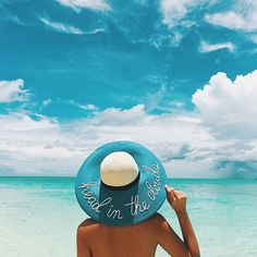Learn how to lose fat and build muscle at the same time! Photo keep running May 24 2019 at Summer Beach, Summer Vibes, Summer Feeling, Pic Pose, Tropical, Summer Colors, Lettering, Beach Themes, Country Girls