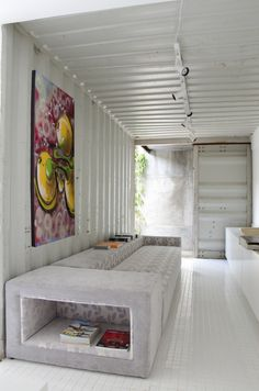 Gallery of Container Project / H²O Arquitetura - 2 Projeto Contêiner / H²O Arquitetura - Container Architecture Container Architecture, Container Buildings, Interior Architecture, Container Home Designs, Shipping Container Design, Cargo Container Homes, Shipping Containers, Container Conversions, Tiny Spaces
