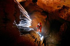 Image: Burja Cave (© Peter Gedei/Caters News)