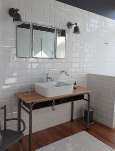 45 Trendy And Chic Industrial Bathroom Vanity Ideas - DigsDigs Industrial Bathroom Vanity, Bathroom Sink Vanity, Modern Bathroom, Small Bathroom, Bad Inspiration, Bathroom Inspiration, Casa Milano, Estilo Interior, Home Staging