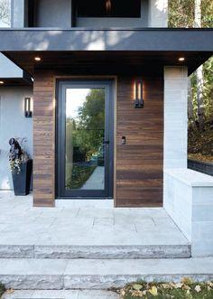 Exterior house contemporary porches 40 ideas for 2019 - Extérieur de la maison Exterior Colonial, Exterior Doors, Exterior Design, Bungalow Exterior, Cottage Exterior, House Front Door, House With Porch, House Entrance, Porch Entrance Ideas